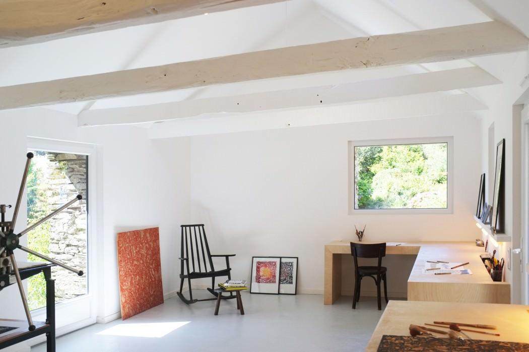 mały domw kształcie stodoły_3