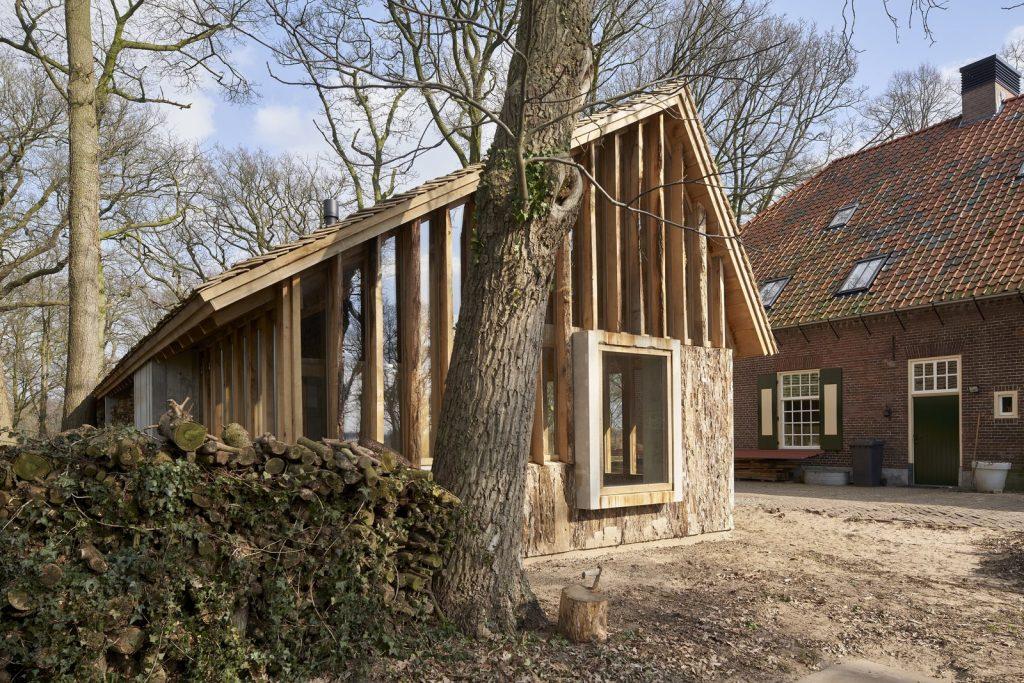 dom drewno i beton_1