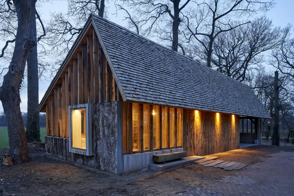 dom drewno i beton_10