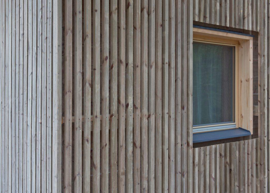 mały domek z drewna_5